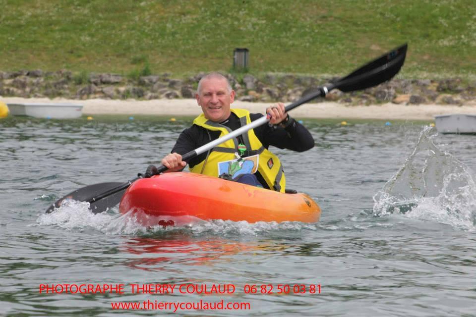 Stéph' content de pas couler en kayak